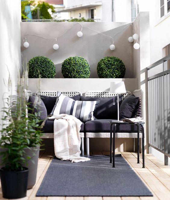 Malá zahrada, balkon - Obrázek č. 1