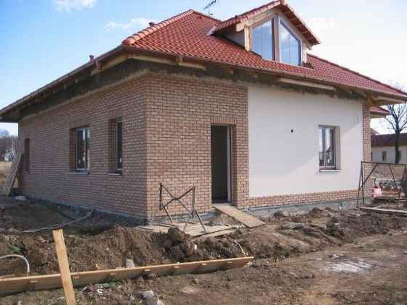 Rekonstrukce domu od základu až po ukončení. - Fotografie skupiny