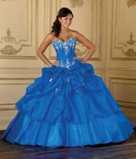 Krásné modré šaty
