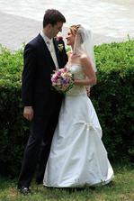 Moje velká podpora pri plánování svatby, kamarádka Elenka (vdávala se 2.6.2007)