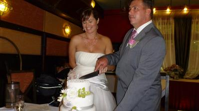 Krájení dortu - byl výborný.