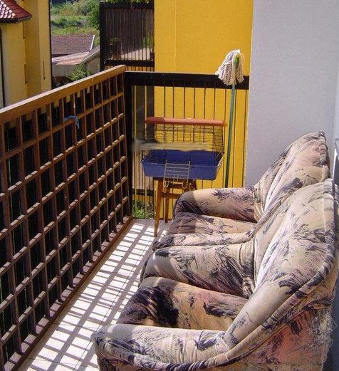 """""""vkusné"""" bývanie ;-) - niet nad pohodu na balkóne"""