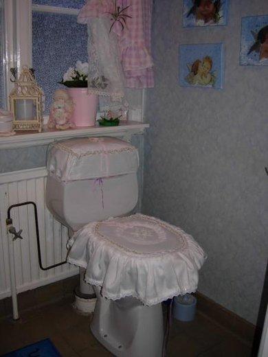 """""""vkusné"""" bývanie ;-) - romantiku treba aj na záchode ;-)"""