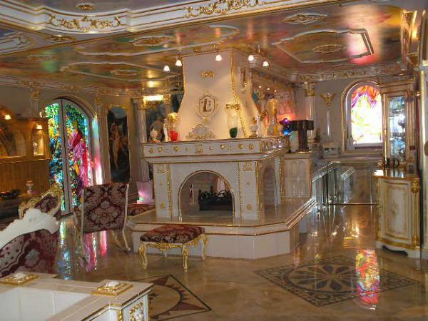 """""""vkusné"""" bývanie ;-) - cigánsky luxus :)"""