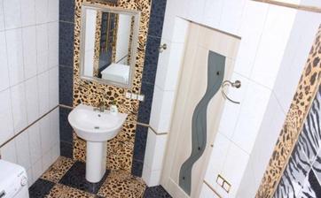 miaaaau... kúpelna pre divokú šelmičku :-D tam sa musia diat veci :-D
