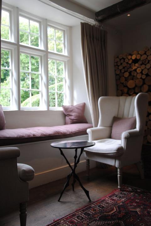 Sedenie pri okne :-) - Obrázok č. 37