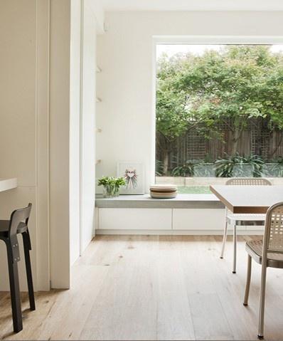 Sedenie pri okne :-) - Obrázok č. 39