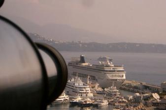 aha.. tu je naša loď