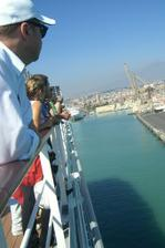 prichadzame do prístavu