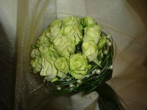 určite ruže a určite zelené