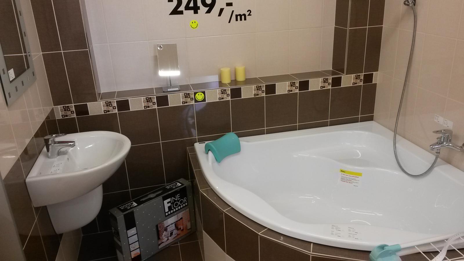 Siko Jesenice - Rozměrově podobná koupelna a vejde se tam i 140x140 vana... Super