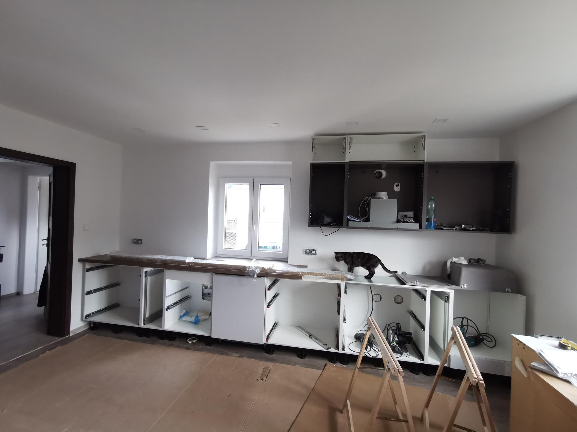 Kuchyně - rekonstrukce - Aaa, už se staví 😃