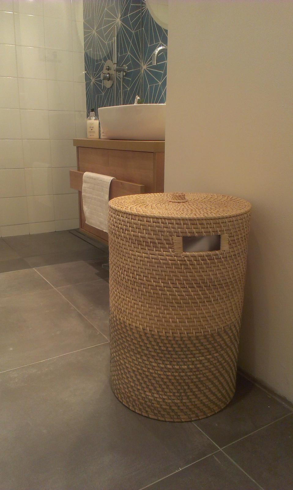 Rekonstrukce - a takhle mu to sluší v koupelně...ještě by to k němu chtělo kámoše do dvojice