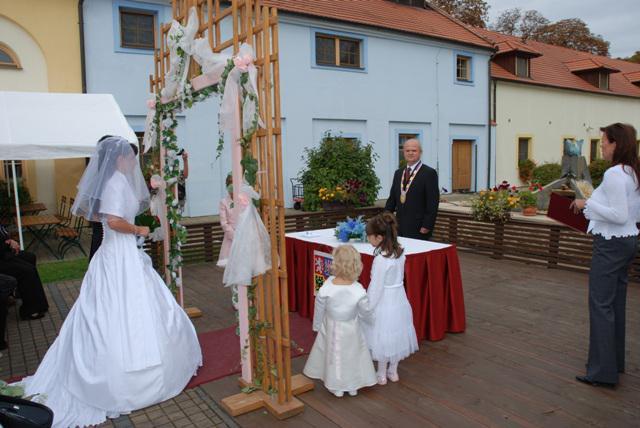Sandra KARETOVÁ{{_AND_}}Luboš PAVLÍK - Při obřadu