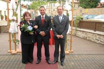 Můj manžel a jeho rodiče...