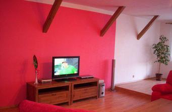 Obývák v trošku zářivějších barvách :o)