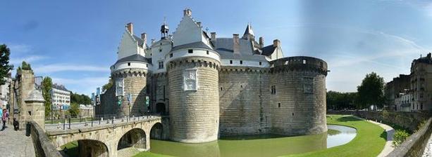zámek v Nantes...