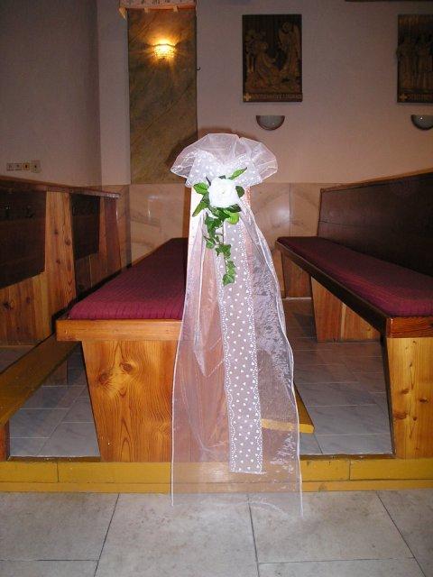 Radanka a Branko - Niečo podobne si vyrobime na lavice do kostola.