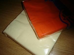 servitky- oranzovo-smotanove