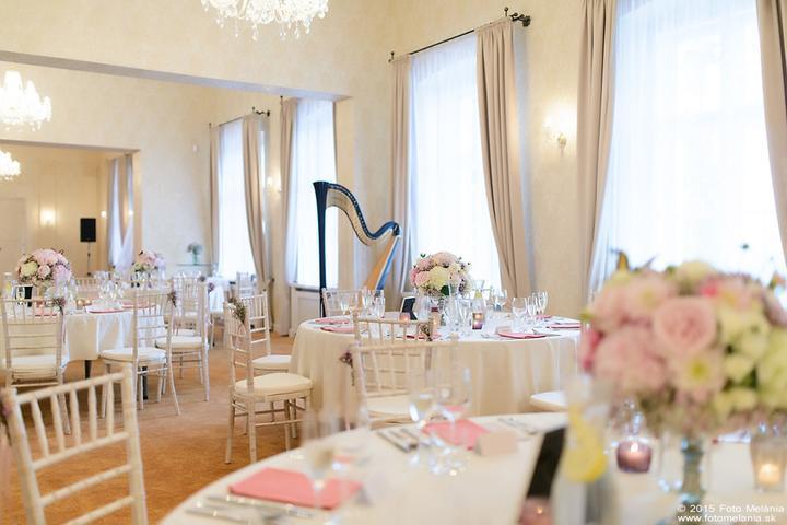 Keď naše Chiavari robia radosť :-) - Svadba Zuzky & Miška - Kaštieľ Klobušice