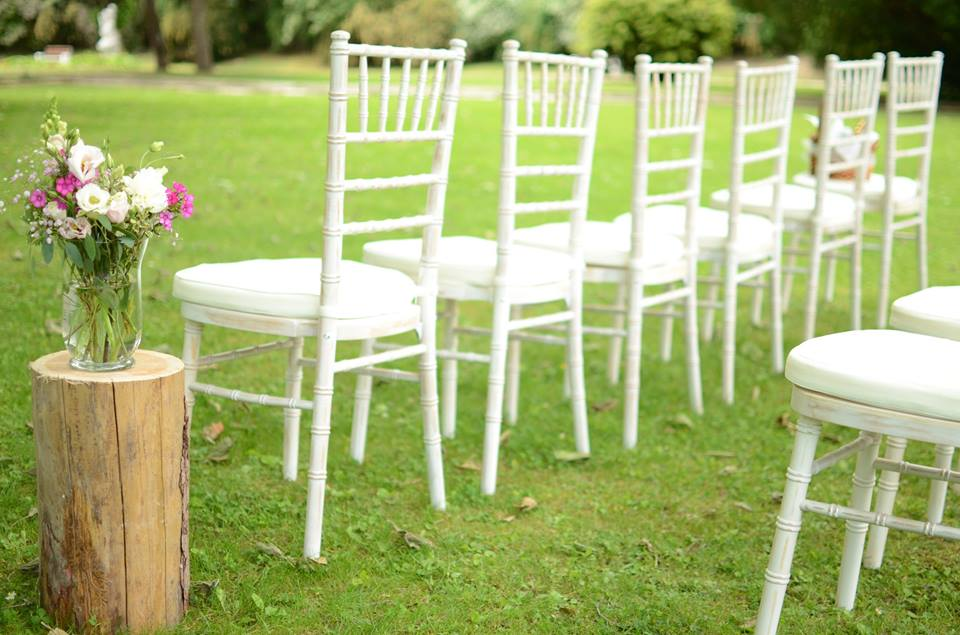 Limewash Chiavari stoličky na prenájom - Obrázok č. 1