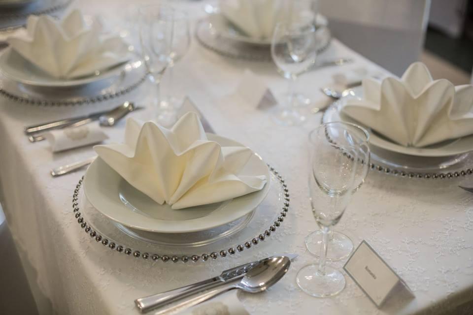 Luxusné klubové taniere na prenájom - Obrázok č. 4