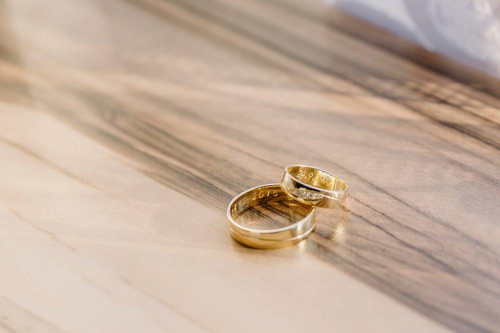 Macka{{_AND_}}Branko - Navrhla som ich sama, bolo použité zlato pozbierané zo šperkov od rodičov