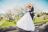 Snehobiele svadobné šaty kolekcia 2016 , 38