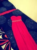 Dlouhé rudé společenské šaty, 36
