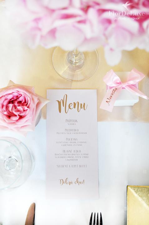 Naša ružovo-zlatá svadobná výzdoba od FlorDeLuxe - Obrázok č. 7