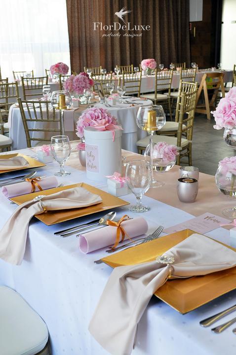 Naša ružovo-zlatá svadobná výzdoba od FlorDeLuxe - Obrázok č. 1