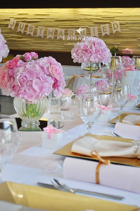 Naša ružovo-zlatá svadobná výzdoba od FlorDeLuxe - Obrázok č. 17