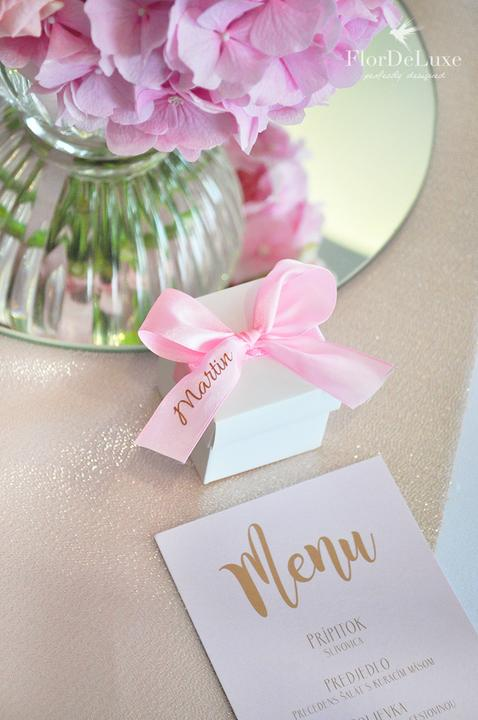 Naša ružovo-zlatá svadobná výzdoba od FlorDeLuxe - Obrázok č. 19