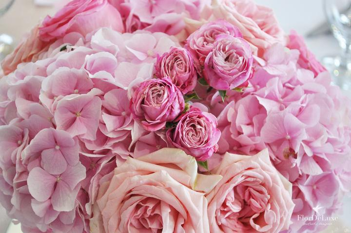 Naša ružovo-zlatá svadobná výzdoba od FlorDeLuxe - Obrázok č. 20