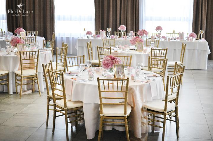 Naša ružovo-zlatá svadobná výzdoba od FlorDeLuxe - Obrázok č. 26