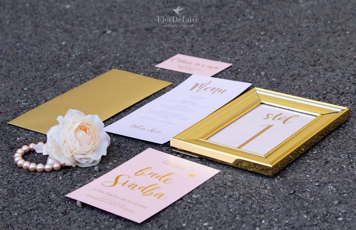 Naša ružovo-zlatá svadobná výzdoba od FlorDeLuxe - Obrázok č. 38