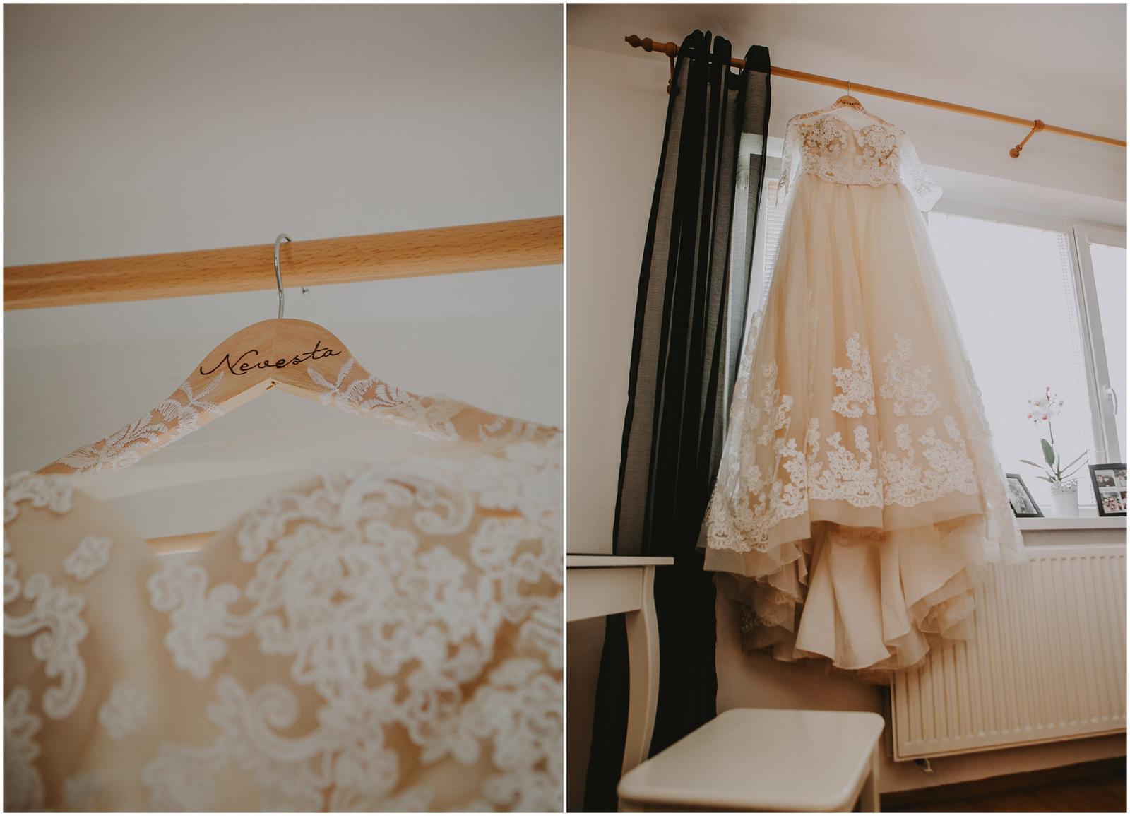 Viktória👰{{_AND_}}Martin🤵 - svadobné vešiačiky od Lillya https://www.facebook.com/lillya.svadobne.jedinecnosti/