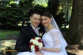 Jednoduché svatební šaty s krajkovým bolerkem, 36