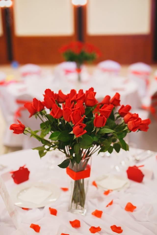 červené ruže výzdoba - Obrázok č. 2