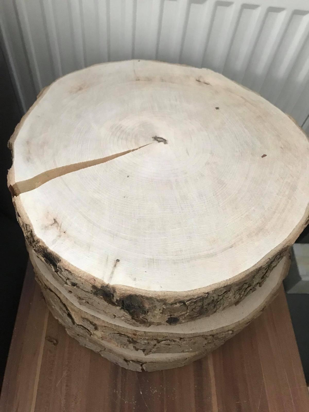 Velké kulatiny na svatbu pod dort 30 cm - Obrázek č. 1