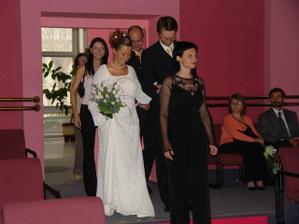 ..svadobný pochod..