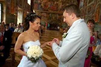 Kroužkování nevěsty...
