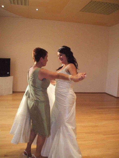 Lucia{{_AND_}}Nick - Tancujeme s maminkou