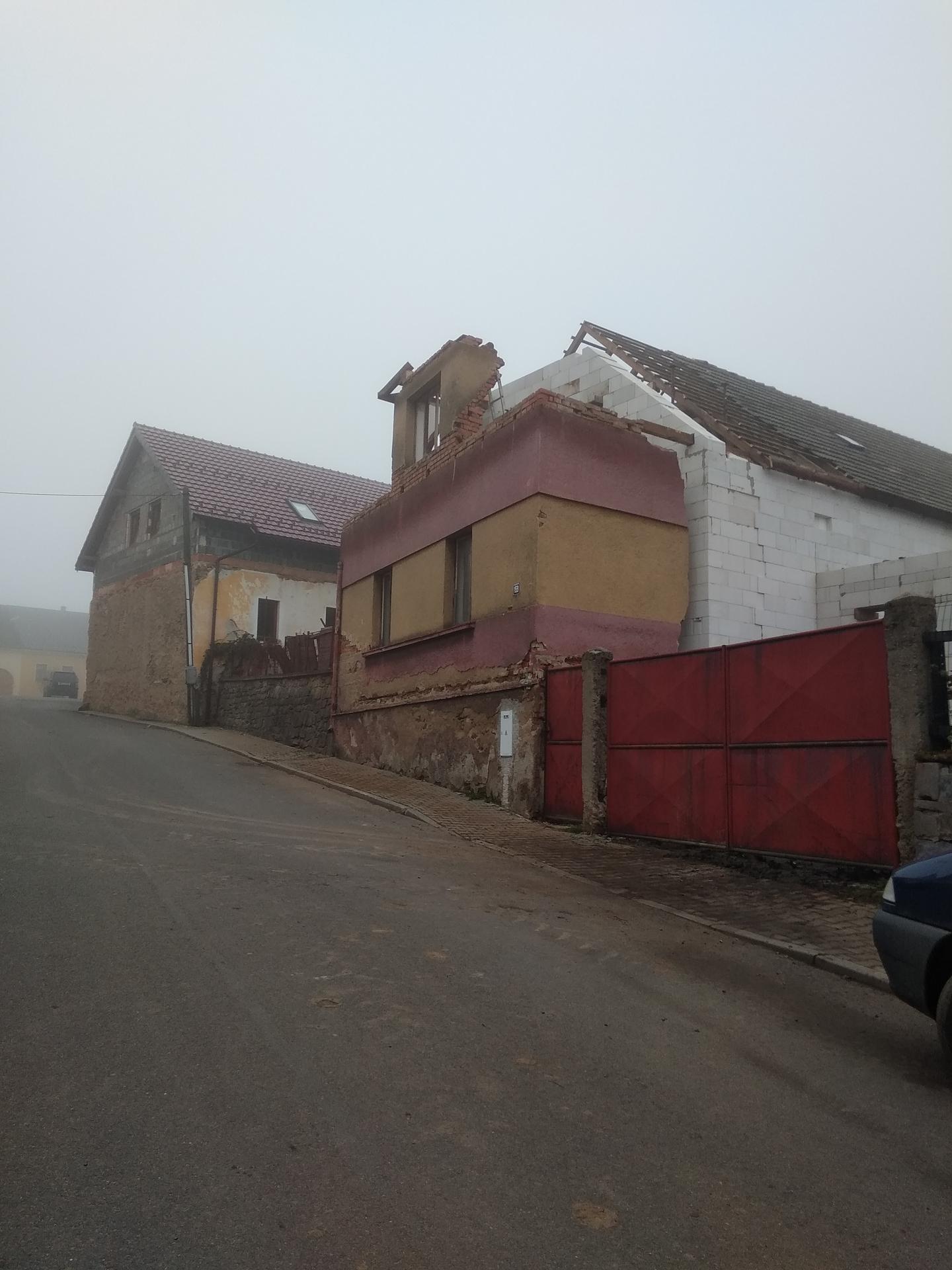 Hrubá stavba - Listopad - prosinec 2020 -střecha
