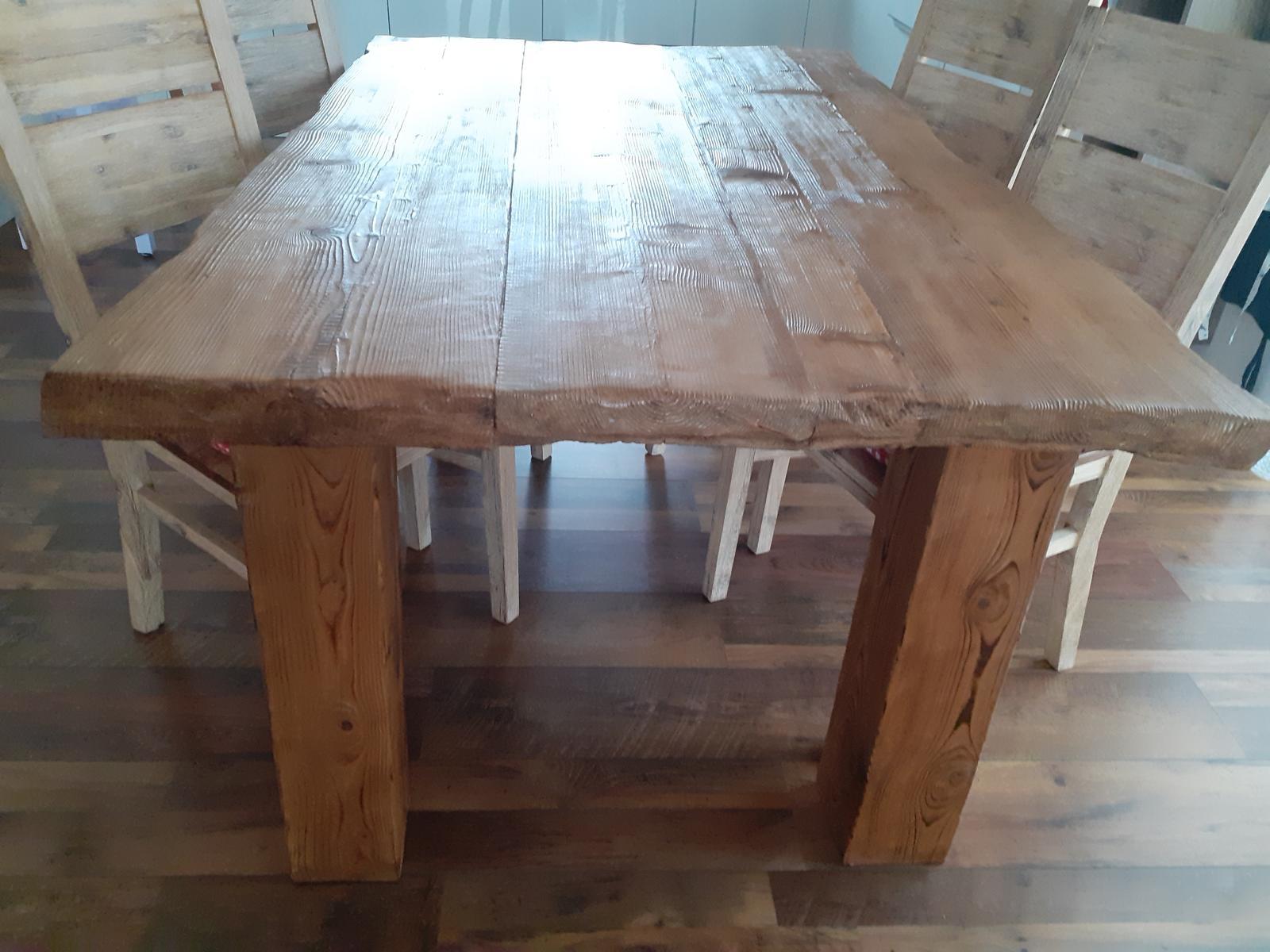 masívny drevený stôl - Obrázok č. 1