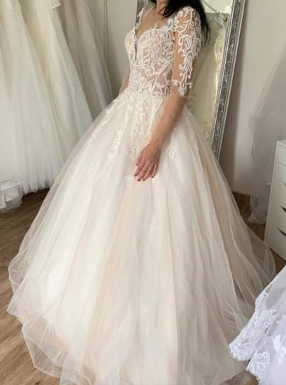 hledám svatební šaty vel 32 do 5 tisíc - Obrázek č. 1