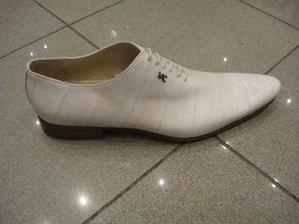 Vyhlédlé botičky pro páníčka, ale jsou nehorázně drahé.