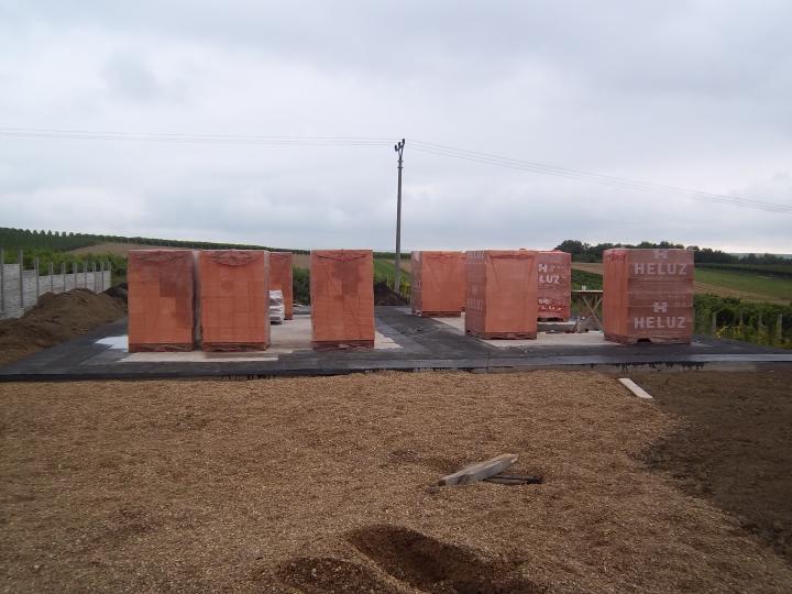 Hrubá stavba 06/2011 - hotová deska a můžem začít