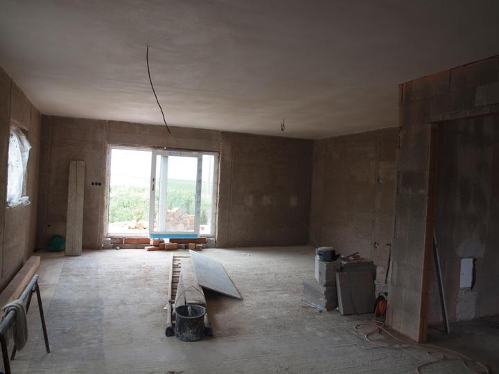 Domeček pokračování vnitřku, jak šel čas - pohled z kuchyně