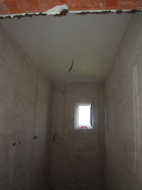 Domeček pokračování vnitřku, jak šel čas - technická strop